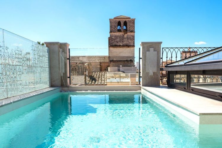 Hotel-Gloria-de-Saint-Jaume-pool