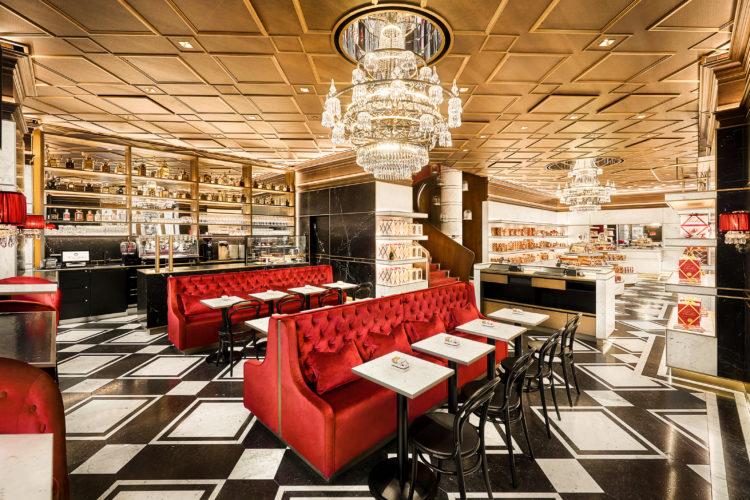 Foto: Das Café Sacher zeigt auch fast anderthalb Jahrhunderte nach seiner Eröffnung noch immer Kaffeehäusern überall auf der Welt, wie es richtig geht © Sacher Hotels Betriebsgesellschaft mbH