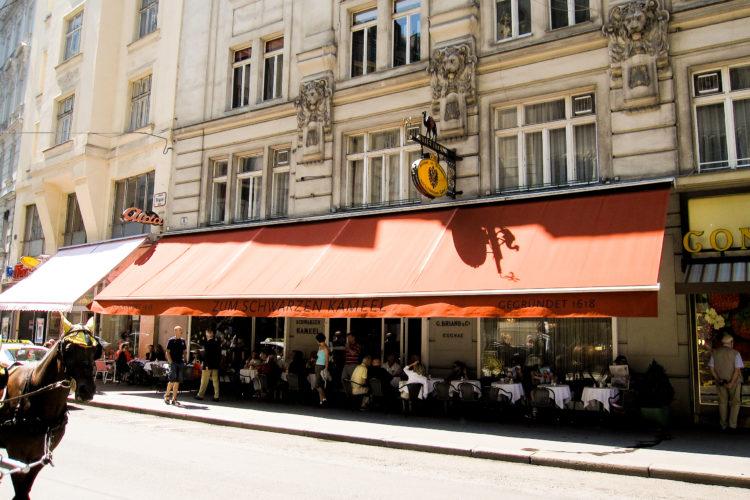 Foto: Traditionelle Architektur in den Straßen Wiens.